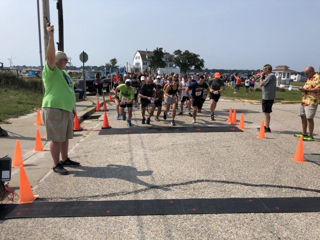 Groton City Brew Run race start